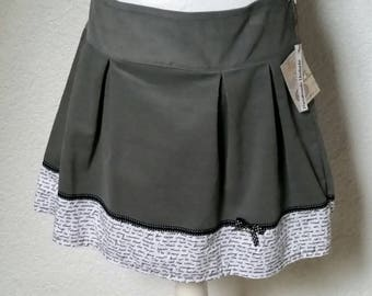 Corduroy skirt grey white font wrinkles issued skirt pleats loop points