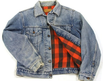 70s Levi's Flannel Lined Jacket / Vintage 1970s Red Tab Trucker Jacket with Red & Black Buffalo Plaid Cotton Lining / USA Made / S M L