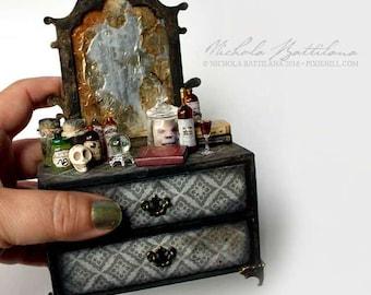 Grotty Miniature Goblin Dreser