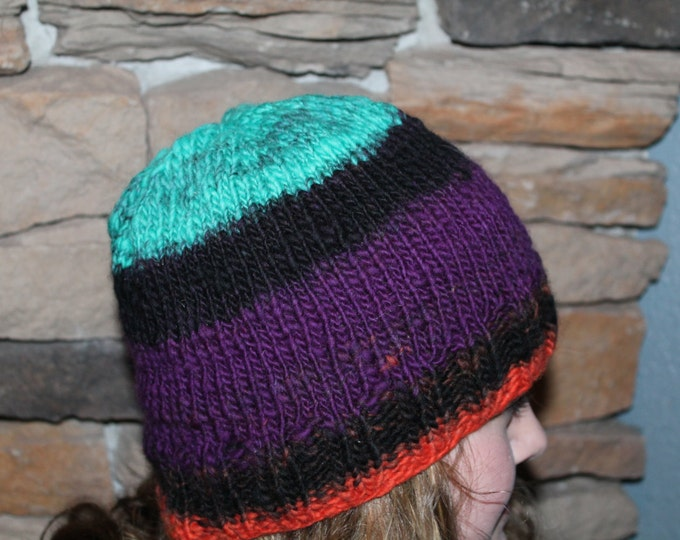 Hand Knit Merino Wool hat.  Super warm and soft.  One size fits most adults.