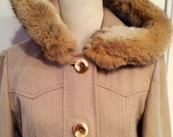 Amazing 1960's/70's  womens vintage wool with fur trim on hood jacket/coat. Size M