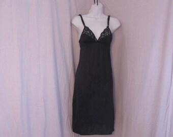 Black full Slip, Vintage full Slip, Vintage Lingerie, size 32
