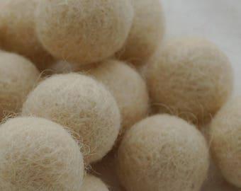 100% Wool Felt Balls - 10 Count - 3cm - Champagne