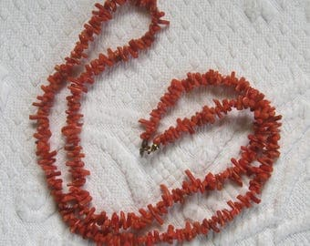 coral necklace . 60s coral necklace . spike coral necklace . coral chip necklace . red coral necklace