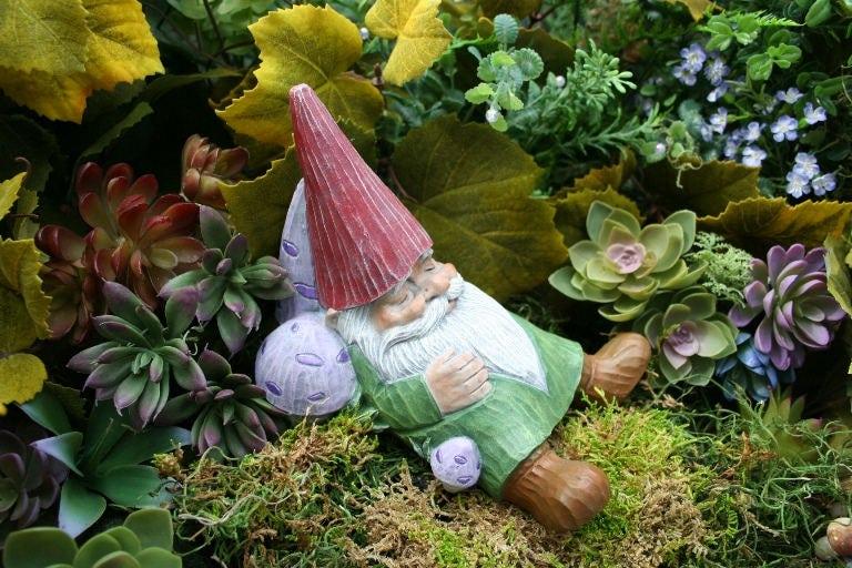 Gnome Garden: Concrete Garden Gnome Sleeping Gnome Statue Outdoor Decor