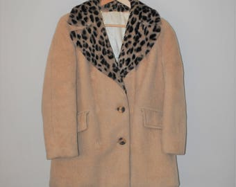 1960s mohair wool pea coat 60s vintage leopard print collar champagne wool jacket small