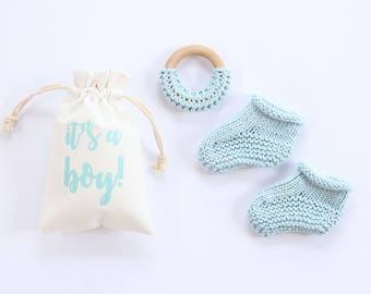 Baby announcement boy, blue baby booties, newborn booties, pregnancy announce, pregnancy reveal, baby booties, baby announcement, baby boy