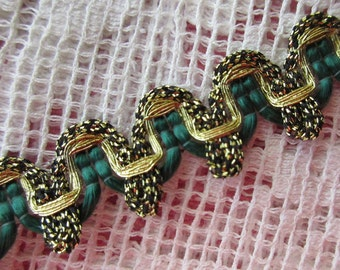Delicate Metallic Trim In Gold And Green Germany Old Store Stock I Yard  VT V