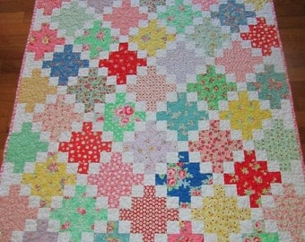 Sweet 'N Scrappy Baby Girl, Toddler, Crib Quilt