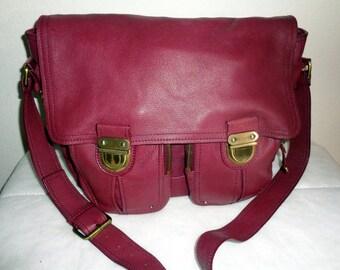 Vintage GAP soft leather cross body messenger bag ,mailman bag, satchel ,purse handbag in deep plum , pockets antique hardware, clean