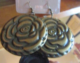 Big pressed brass flowers