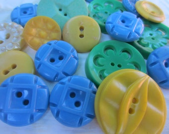 Vintage Buttons - Cottage chic mix of blue, green and yellow lot of 21 old and sweet( oct 205)