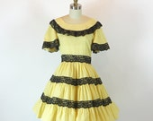 "Vintage 60s Rockabilly Pinup Dress | Yellow Gingham | 28"" Waist"
