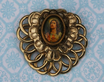 Vintage JESUS portrait BROOCH- Napier Sacred Heart- Goldtone- Religious Jewelry- Pin- Catholic- Christianity