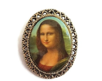 Mona Lisa Porcelain Cameo Brooch or Pendant Vintage