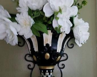 custom painted wall hanging floral arrangement