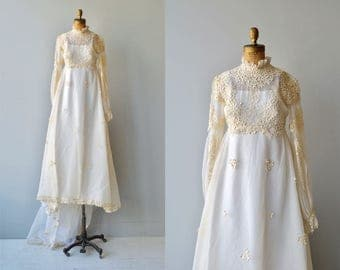 Lisette wedding gown | vintage 1970s wedding dress | long sleeve lace 70s wedding dress