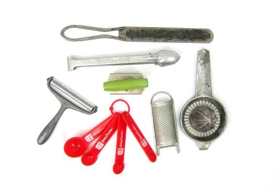 Vintage Metal utensilsgreen wood handle opener cheese slicer frosting knife Betty Crocker Measuring Spoons tongs ADVERTISING