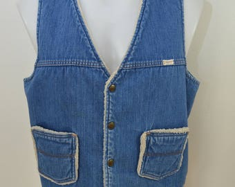 Vintage DO NOTHING by Sedgefield denim vest sherpa lined sz. Large made in USA 1970's