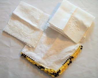 Vintage Handkerchiefs, Hankie, White Hankies, Set of Hankie, White Hankies, Hankie, Ladies Handkerchiefs, 3 Ladies Handkerchiefs