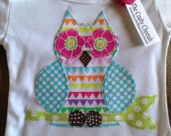 Owl applique baby gown, baby girl gown, infant gown, newbown gown