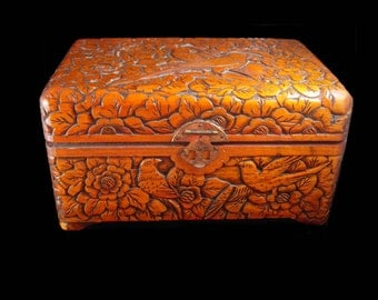 Antique chinese box Victorian carved bird box sweetheart chest ornate baroque carving Trinket jewelry box dresser box heirloom vintage chest