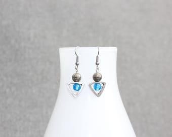 Boucles d'oreilles, bleu, blue, verre soufflé, verre, triangle, géométrique, funky, boucles d'oreilles bleue, fait au quebec, cadeau femme