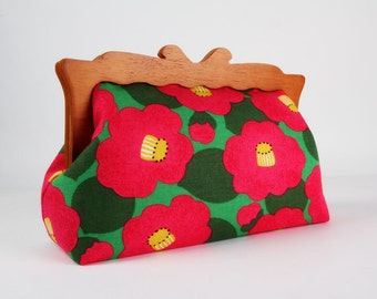 Clutch purse with wooden frame - Cherry blossom on green - Home purse / Japanese fabric / Retro flowers / Yellow fuchsia pink green