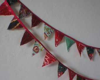 Christmas mini bunting to add some joy to your festive  decorating