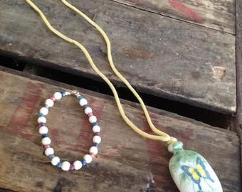 VINTAGE AVON NECKLACE - vintage necklace and bracelet set- vintage beads- cool old piece