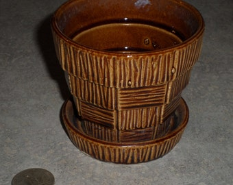 McCoy Pottery small textured basket weave Flower Pot planter with attached saucer chocolate brown
