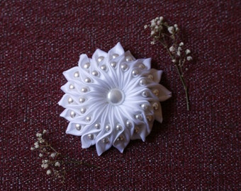 White Satin Ribbon Brooch w/ Pearl