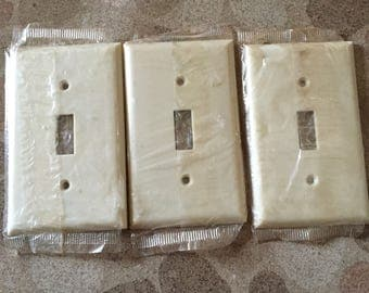 Vintage Eagle Cream/Ivory Bakelite Wall Switch Plate, New Old Stock - Set of 3