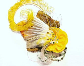 Canary wing fascinator