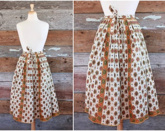 1960s French skirt / 60s French Provence cotton quilted peasant skirt / yellow paisley folk skirt / French Provincial skirt / size s - m
