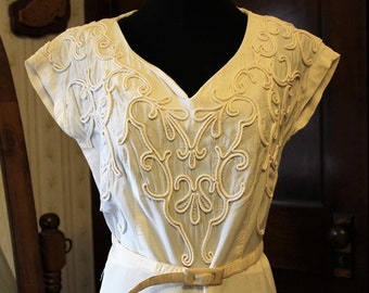 Simple and Elegant 1940s Belted Wedding Dress, Gown, Small 2-4