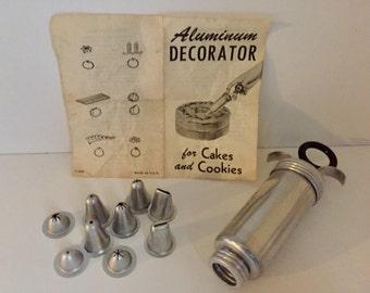 Aluminum Vintage Cake Decorator Set