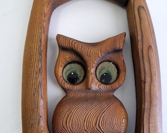 Retro 60s / 70s textured wood OWL kitshy big eye hippie wall art