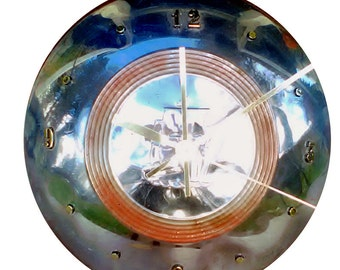 2 Day Shipping!!  Vintage Clock, Plymouth Hubcap clock, 60s, with numbers, (v hubcap art)