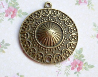 free shipping in UK - Pack of 6 – Antique Bronze Round Pendant