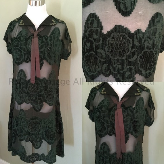 1920s Lovely Green Velvet Sheer Floral Flapper Dress with Faux Neck Tie and Button Accent-M/L