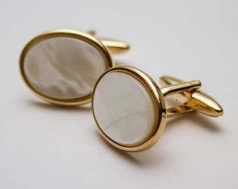 Mother Of Pearl cufflinks.  Gold Plated.  Cuff Links. Oval. Gifts For Men. Groom Cufflinks.  Wedding cufflinks. Birthday gift for man
