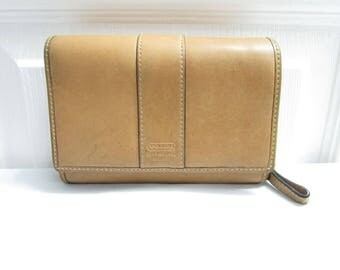 Vintage Coach Bi Fold Light Tan Leather Wallet Clutch Change Purse - Currency Ids Credit Cards Coin Compartments