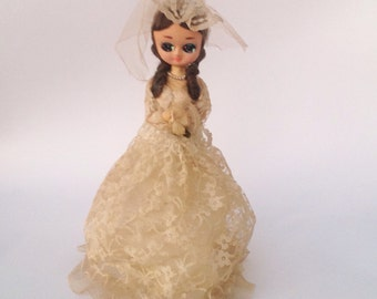 Vintage Bradley bridal bride doll in wedding dress with veil.