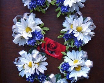 White Daisies and Lavender Wrist Corsage, Wedding, Prom, Homecoming Gift, 1 corsage only