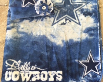 Dallas Cowboys Newborn baby fleece blanket & hat gift set