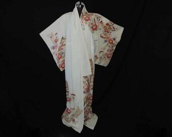 vintage Japanese furisode kimono cream floral uchikake wedding robe