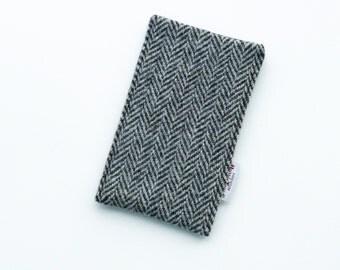 iPhone 6 or 7 cover in HARRIS TWEED, black and grey herringbone, SALE