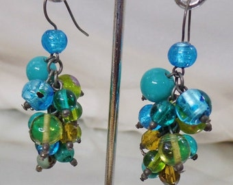CHRISTMAS SALE Vintage Blue and Green Art Glass Earrings. Dangling Blue Green Art Glass Earrings.