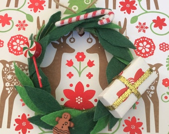 Mini Christmas Wreath, 18 in doll decor, Holiday
